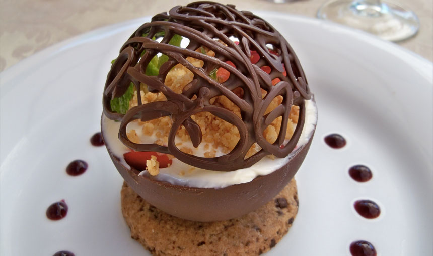 chocolate-fruit-dome