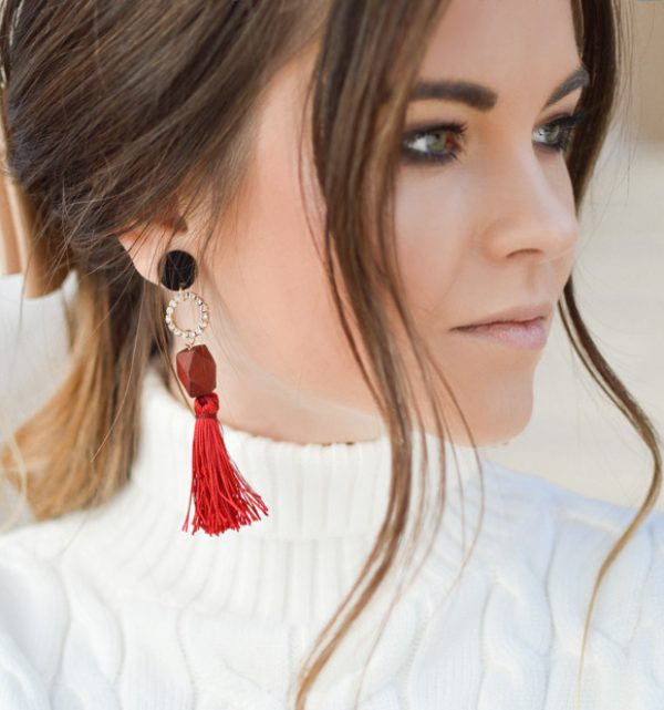 red-earring-girl