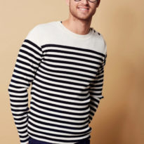 men-model-with-long-sleeves