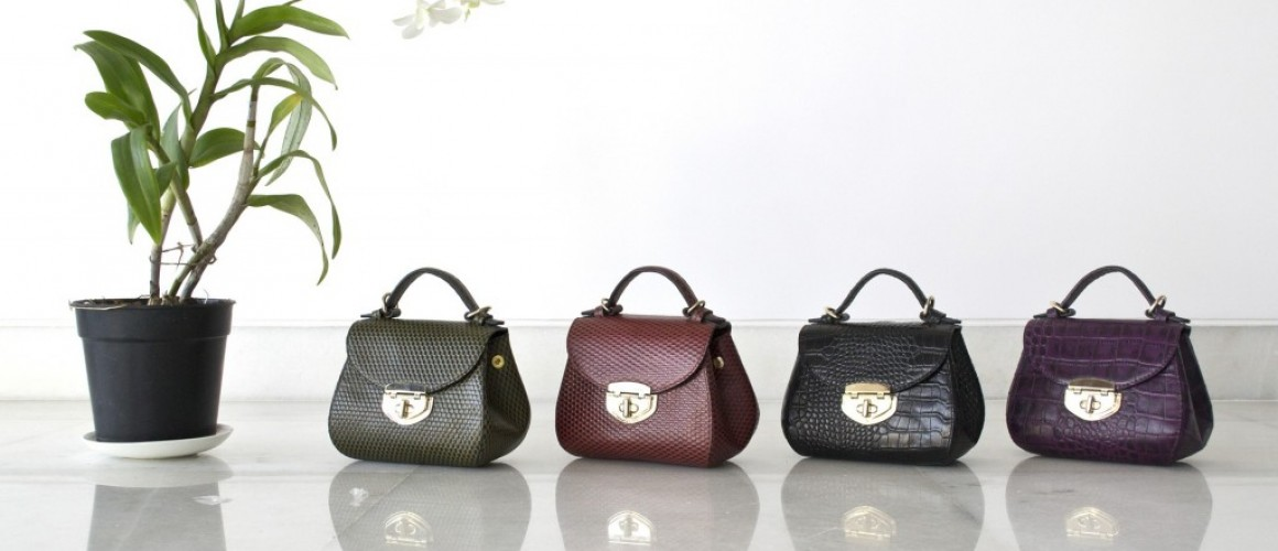 leather 1175154_1920