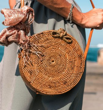 bohemian-circle-wicker-rattan-shoulder-bag